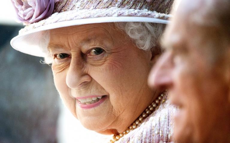 Η Λευκή Χήρα σχεδίαζε τη δολοφονία της Βασίλισσας Ελισάβετ  – Αυτό ήταν το σχέδιό της | Newsit.gr