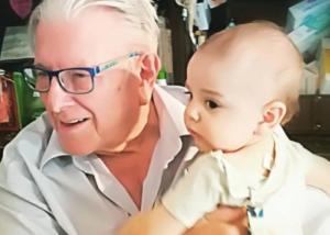 Kώστας Βουτσάς: Παίζει με τον γιο του και είναι τα πιο… τρυφερά βίντεο που έχετε δει!