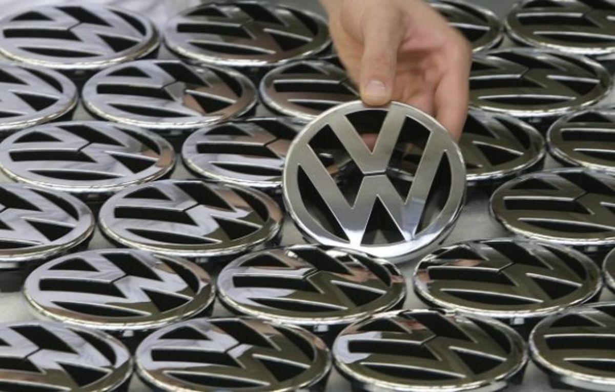 Η VW μειώνει το δίκτυο της για να πουλάει αυτοκίνητα μέσω internet | Newsit.gr