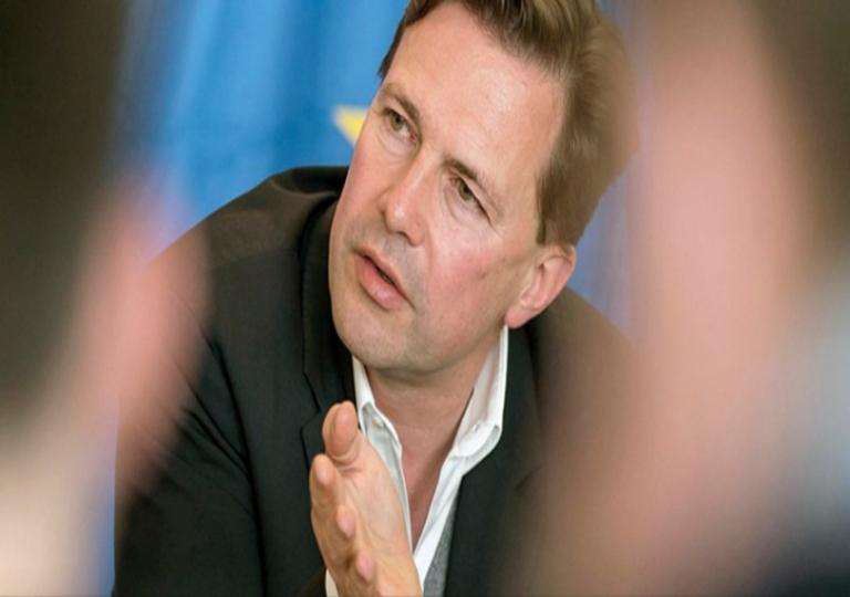 Γερμανία… ενοχλημένη! «Κι εμείς βοηθάμε την Ελλάδα»! | Newsit.gr
