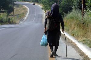 Εύβοια: Οι απατεώνες «έφαγαν πόρτα» από τη γιαγιά αλλά δεν το έβαλαν κάτω – Οι κινήσεις τους στη Χαλκίδα!
