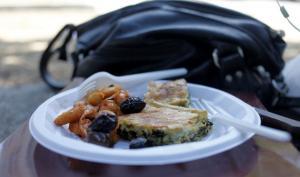 Πάτρα: Ο φοιτητής κοίταξε το πιάτο του και έμεινε έκπληκτος! [pic]