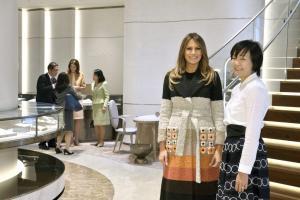Μελάνια Τραμπ: Η στιλιστική μάχη με την Πρώτη Κυρία της Ιαπωνίας