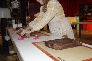 Καρδίτσα: Έτοιμοι για νέο ρεκόρ Γκίνες – Η μεγαλύτερη σοκολάτα που φτιάχτηκε ποτέ βάρους δύο τόνων!