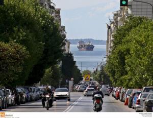 Θεσσαλονίκη: Μυστήριο με πτώση άντρα στη θάλασσα του Θερμαϊκού – Παραμένει σε νοσοκομείο!