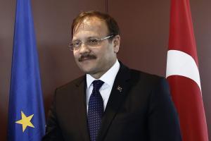 Πρόκληση Τσαβούσογλου! «Τουρκική μειονότητα στη Θράκη»! [vid]
