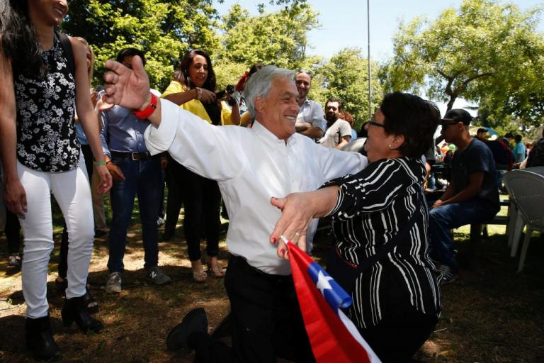 Η Χιλή ψηφίζει για το νέο της πρόεδρο | Newsit.gr