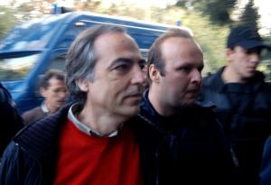 Δημήτρης Κουφοντίνας: Δυο μέρες άδεια, τέσσερις φορές στο Αστυνομικό Τμήμα