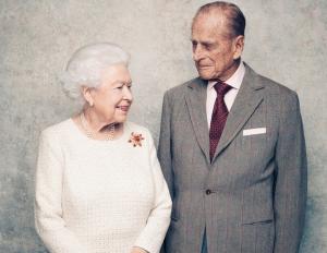 Έξαλλη η βασίλισσα Ελισάβετ! Πέθαναν τον πρίγκιπα Φίλιππο