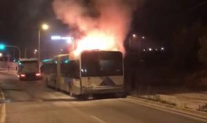 Φωτιά σε λεωφορείο στη Βάρης – Κορωπίου