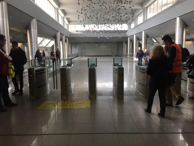 Ηλεκτρονικό εισιτήριο: Γίνεται της… ουράς – Απίστευτη ταλαιπωρία   Newsit.gr