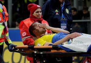 Αγωνία στην ΑΕΚ! Τραυματίστηκε στο γόνατο ο Γιόχανσον [vid]