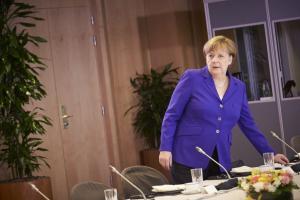 Γερμανία: Έτοιμοι για κυβερνητική συνεργασία δηλώνουν οι «Φιλελεύθεροι» αν… φύγει η Μέρκελ