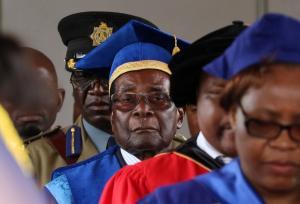 Ζιμπάμπουε: Η πρώτη δημόσια εμφάνιση του Μουγκάμπε μετά το πραξικόπημα