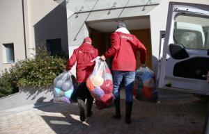 Ολυμπιακός: Συνεχίζει να βρίσκεται δίπλα στους πλημμυροπαθείς [pics, vid]