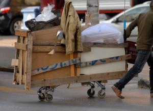 Θεσσαλονίκη: Κλήσεις και πρόστιμο σε όσους πετούν σκουπίδια και ρυπαίνουν δημόσιους χώρους