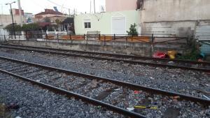 Τραγωδία στη Θεσσαλονίκη – Νεκρός νεαρός άνδρας που παρασύρθηκε από τρένο