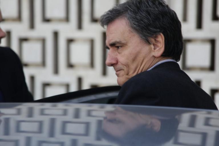 Τσακαλώτος: Λάθος τα στοιχεία του Γραφείου Προϋπολογισμού της Βουλής | Newsit.gr