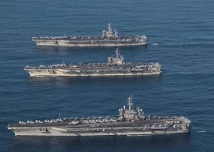 Αγωνία για 11 ζωές – Αμερικανικό πολεμικό αεροπλάνο συνετρίβη στην Ιαπωνία