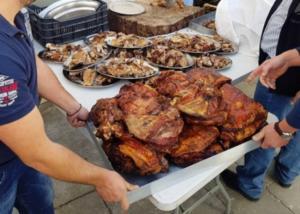 Κρήτη: Γλέντι με πολύ κρέας στα Ανώγεια για τον «καπετάνιο» Άγιο Γεώργιο – Το βίντεο που τράβηξε ιερέας [pics, vid]