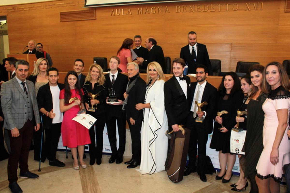 Αξιοσήμαντες προσωπικότητες και νέοι – φαινόμενα βραβεύτηκαν στη φετινή τελετή των Διεθνών Βραβείων «Giuseppe Sciacca» στο Βατικανό | Newsit.gr