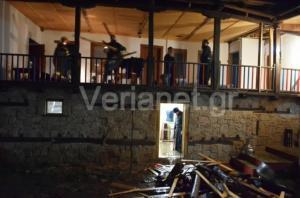 Τεράστιος βράχος έπεσε σε μοναστήρι της Βέροιας και εγκλώβισε μοναχό! [pics]