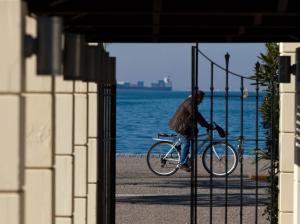 Θεσσαλονίκη: Ανοίγει ο δρόμος για την τοποθέτηση του γλυπτού «Φιλία Amicia» στη Νέα Παραλία