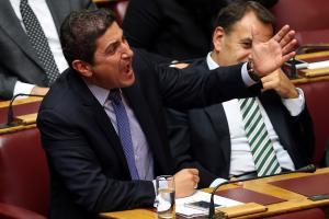 Χείμαρρος ο Αυγενάκης: «Δεν θα κάνω δώρο την παραίτηση μου στους «ψευτολεβέντες» του Τσίπρα και του Καμμένου»