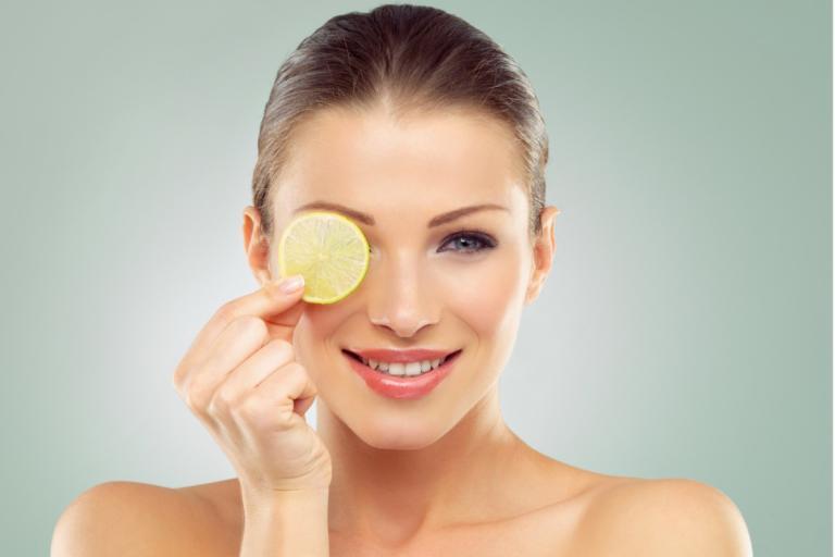 Πώς να χρησιμοποιήσετε το λεμόνι σαν… καλλυντικό προϊόν!   Newsit.gr