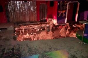 Τενερίφη: Τρόμος σε μεγάλο κλαμπ! Κατέρρευσε ξαφνικά το πάτωμα – 22 τραυματίες