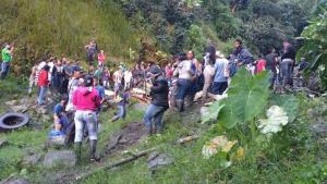 Τραγωδία στην Κολομβία: 14 νεκροί σε τροχαίο με λεωφορείο [pics, vids]