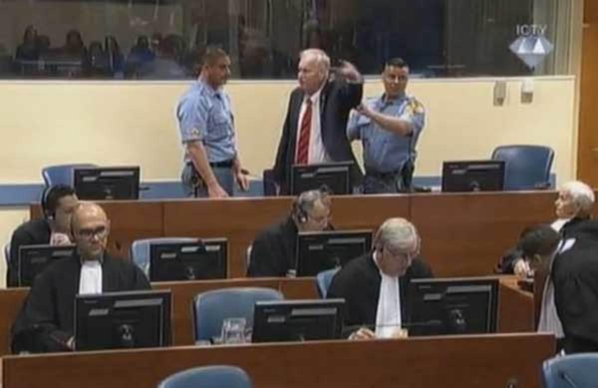 Ράτκο Μλάντιτς – Ισόβια καταδίκη για τον «χασάπη των Βαλκανίων»   Newsit.gr