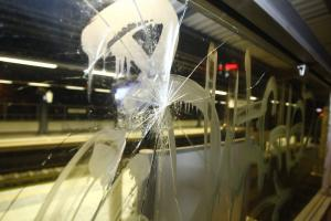 ΑΕΚ – Μίλαν: Επεισόδια σε σταθμό του ΗΣΑΠ – Πέντε οπαδοί τραυματίστηκαν [vids]