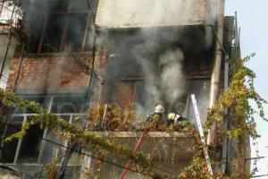 Αναστάτωση στα Χανιά από μεγάλη φωτιά σε σπίτι [pics]