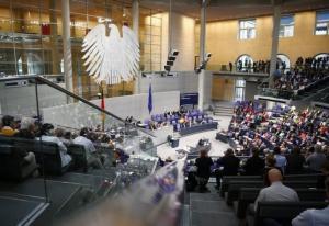 Γερμανία: Στενεύουν τα περιθώρια! Αύριο εκπνέει η προθεσμία για συμφωνία για σχηματισμό κυβέρνησης