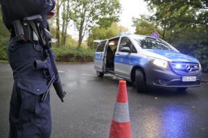 Δήμαρχος του κόμματος της Μέρκελ δέχτηκε επίθεση με μαχαίρι 30 εκατοστών