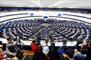 «Κατηγορώ» 31 ευρωβουλευτών για την Euroleague: «Μποϊκοτάρει τις Εθνικές ομάδες»