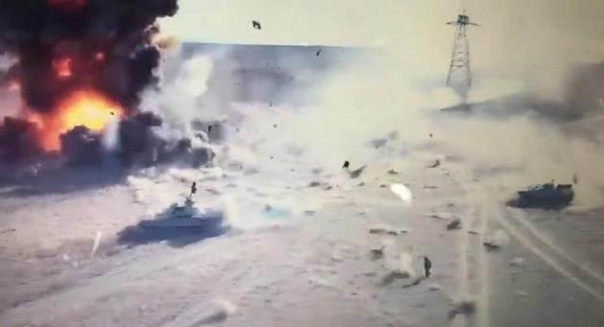Η «μάχη» ενός τανκ με ένα φορτηγό του ISIS – Σοκαριστικό Βίντεο | Newsit.gr