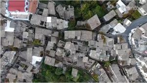 Το εκπληκτικό βίντεο από το χωριό – φάντασμα της Κρήτης «ταξιδεύει» στη Γαλλία [vid]