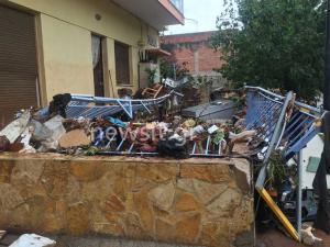 Μάνδρα η επόμενη μέρα – Εικόνες απόλυτης καταστροφής