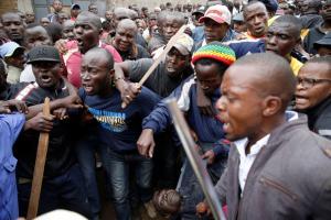 Κένυα: 4 νεκροί σε παραγκούπολη στο Ναϊρόμπι – Σφοδρές συγκρούσεις των κατοίκων με την αστυνομία [pics]