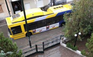 Καιρός: Σε επιφυλακή όλος ο κρατικός μηχανισμός για το κύμα κακοκαιρίας που χτυπάει Αθήνα και Θεσσαλονίκη