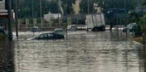 «Βούλιαξε» η χώρα για ακόμη μία μέρα από τις καταστροφικές πλημμύρες [pics, vid]