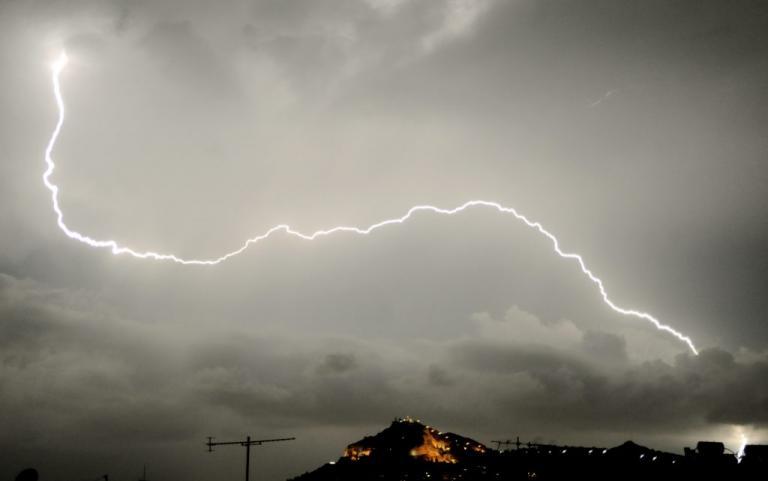 Καιρός: Σαρώνει την Ελλάδα ο «Ζήνωνας» – Βροχές και καταιγίδες σε όλη τη χώρα | Newsit.gr