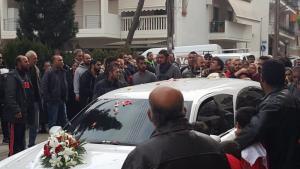 Λάρισα: Οργή και θρήνος στην κηδεία του αγοριού που παρασύρθηκε από τρένο