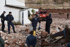 Δυτική Αττική: Συνταγματάρχης ο νεκρός που «ξεθάφτηκε» κοντά στο αμαξοστάσιο