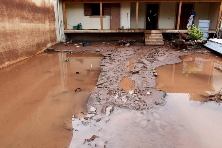 Δυτική Αττική: Συνεχίζονται οι αυτοψίες – Σχεδόν 1.300 κτίρια έχουν καταστραφεί | Newsit.gr