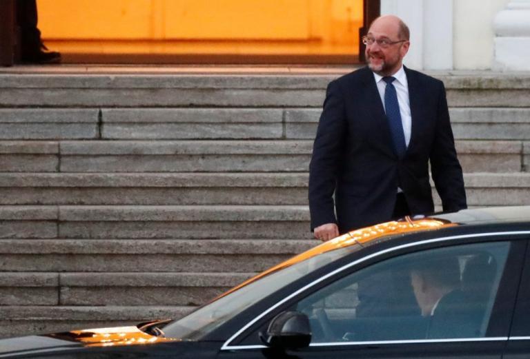 Μάρτιν Σουλτς: Απείλησε με παραίτηση! | Newsit.gr