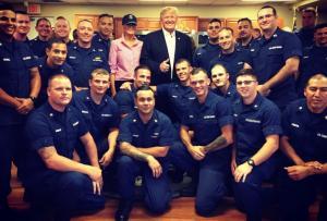 Η Μελάνια Τραμπ κατατάχθηκε στο… Ναυτικό! [vid, pics]