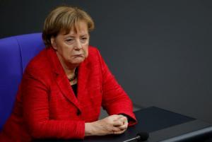 «Καρφώνουν» Μέρκελ οι συγγενείς των θυμάτων της επίθεσης στη χριστουγεννιάτικη αγορά του Βερολίνου